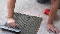Як покласти плитку на дерев'яну підлогу?