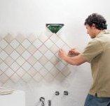 Клей для плитки у ванній